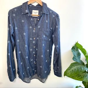 American Eagle denim embroidered button up shirt